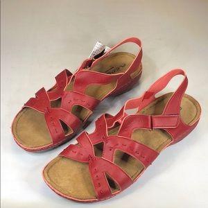 (227) Spring Step Sambai (Red) Women's Shoes